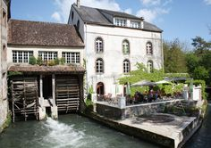 Auberge des Vieux Moulins,  (between Sens and Troyes)18 rue des Moulins Banaux 89190 Villeneuve L'Archevêque Tél. 03 86 86 72 55 Mail: contact@moulins-banaux.fr   The water mill dating from16th century has been completely renovated with taste, to offer  the services of a comfortable hotel, a gourmet table and the authenticity of a green setting.