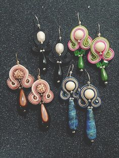 #orecchini #soutache #piccolidettagli #handmade #littleearrings #earrings #madeinitaly #madeinpuglia #piccoloprezzo #lapislazzuli #avorio #cristalli #argento925 #onice #pietredifiume