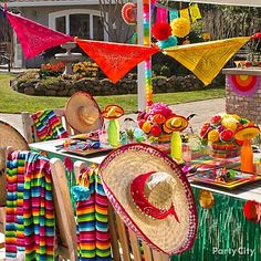 Spice up your Cinco de Mayo with DIY decor, sombreros & 'staches. 14 Cinco de Mayo Party Ideas from Party City Mexican Fiesta Party, Fiesta Theme Party, Taco Party, Theme Parties, Luau Party, Mexico Party, Mexican Birthday, Party Time, Party Ideas