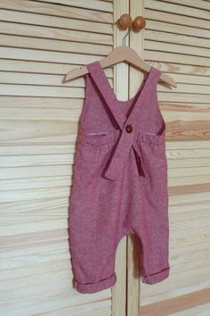 Sewing project waxed pants made of half linen Baby Dress Patterns linen pants project Sewing waxed Sewing Clothes, Diy Clothes, Sewing Pants, Baby Boy Outfits, Outfits For Teens, Toddler Outfits, Baby Girl Fashion, Kids Fashion, Vêtement Harris Tweed