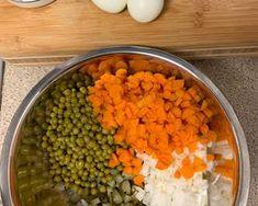 30 perces csirkesaláta 🥙✨ | mrsRaft Kitty receptje - Cookpad receptek Chana Masala, 30th, Kitty, Ethnic Recipes, Minden, Food, Little Kitty, Kitty Cats, Essen