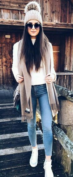 // Bleached Skinny Jeans // White Sneakers // White Top // Grey Beanie // Brown Carf cute outfits for girls 2017 Fall Winter Outfits, Winter Wear, Autumn Winter Fashion, Fall Fashion, Summer Outfits, Winter Style, Winter Shoes, Winter Clothes, White Fashion