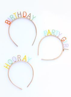 DIY Custom Birthday Headbands Make your own DIY birthday headbands with any saying you can dream up with this easy tutorial. Diy Birthday Headband, Birthday Party Hats, Birthday Week, Birthday Gifts, Cumpleaños Diy, Headband Tutorial, Bow Tutorial, Flower Tutorial, A Little Party