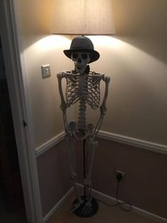 Unique Life Size Human Skeleton Tall Floor Lamp Cream Shade Halloween Gothic Ebay Tall Floor Lamps Floor Lamp Lamp