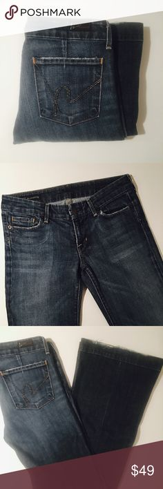 Citizens of Humanity Low-Waist Full-Leg Faye #003 Size 27 Citizens of Humanity Low-Waist Full-Leg Faye #003 Jeans. 33 inch inseam. Excellent Condition with only minor fraying around hem as shown.   All items come from a smoke free home and are shipped on the same or following day an order is placed.   Reasonable offers are considered and often accepted. Deals on bundles are also available.   Items are shipped in polymailers placed INSIDE boxes to ensure all purchases are completely protected…