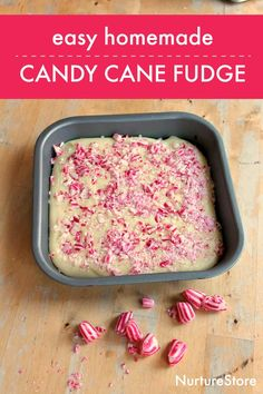 easy homemade candy cane fudge recipe, easy christmas baking recipe for kids Recipe For Children To Make, Food Art For Kids, Cooking With Kids, Christmas Fudge, Christmas Crafts, Christmas Hamper, Christmas Goodies, Christmas Baking, Fudge Recipe Uk