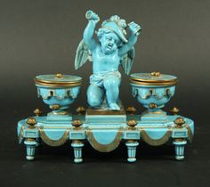 Turquoise porcelain Sevres style inkwell, 19th century.