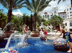 Orlando - Hard Rock Hotel at Universal Orlando Resort Universal Orlando, Universal Studios, Florida Resorts, Best Resorts, Orlando Theme Parks, Hard Rock Hotel, Garden Images, Dolores Park, Tours