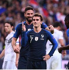 Griezmann qui célèbre son buuut !!! 16/10/18 Antoine Griezmann, Football Players, Soccer, Instagram Posts, Madrid, Russia, Athlete, France, Sports