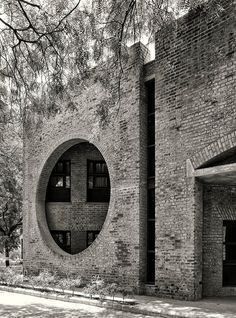Louis Kahn, Cemal Emden · Indian Institute of Management Ahmedabad Louis Kahn, Brick Architecture, Contemporary Architecture, Architecture Details, Interior Architecture, Brick Building, Building Design, Luigi Snozzi, Brick And Stone