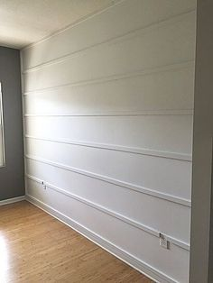 Want an easy farmhouse style DIY wall treatment? Try this DIY reverse shiplap wall treatment to add texture and interest to plain walls! Accent Wall Bedroom, Bedroom Decor, Accent Walls, Murs Clairs, Diy Simple, Easy Diy, Wall Molding, Molding Ideas, Moulding