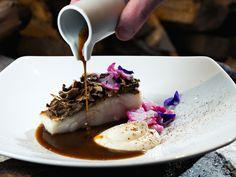 Hôtel Aigle des Neiges **** à Val d'Isère (Maranatha Hotels) - Restaurant Val D'isère, Hotel Restaurant, Panna Cotta, Ethnic Recipes, Food, Eagle, Photo Galleries, Dulce De Leche, Essen