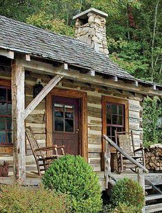 Tadpole Cottage, at Toad Hall, a rustic compound in the Great Smoky Mountains of Tennessee via Mountain Cabin via cabin fever Old Cabins, Log Cabin Homes, Cabins And Cottages, Country Cottages, Rustic Cabins, Rustic Homes, Casas Containers, Cabin In The Woods, English Country Style