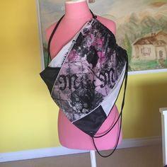 Miss Me Bag Miss Me Bag.  Great used condition. Zip pocket on bag Miss Me Bags