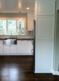 Kitchen details beadboard backsplash and walls for Hope kitchen bridgeport ct