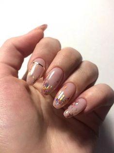 Semi-permanent varnish, false nails, patches: which manicure to choose? - My Nails Minimalist Nails, Minimalist Fashion, Stylish Nails, Trendy Nails, Nude Nails, Pink Nails, Coffin Nails, Glitter Nails, Hair And Nails