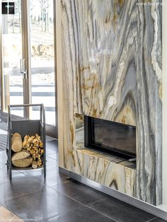 Hoder - okładziny kominkowe z kamienia Bedroom Fireplace, Home Fireplace, Fireplace Remodel, Modern Fireplace, Living Room With Fireplace, Living Rooms, Granite Fireplace, Marble Fireplace Surround, Marble Fireplaces