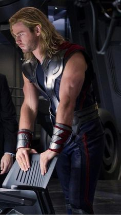 Avengers Age of Ultron: Chris Hemsworth as Thor Odinson