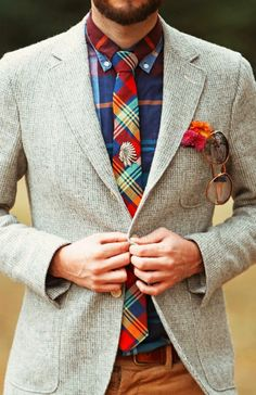 Love the contrast between the tie and shirt patterns...the muted blazer tones down the colourful ensemble #MadeToPleasure