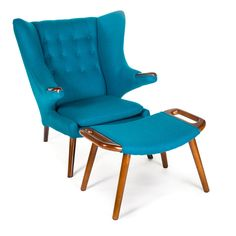 Goldilocks Chair & Ottoman   Pink & Brown This is a reproduction of Hans J. Wegner's Papa Bear chair (seen here: http://modernica.net/papa-bear-chair.html)