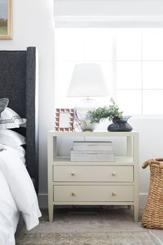 The Tried and True Method for Nightstand Decor Bedroom in Step by Step Detail If you've got the room for a rug in your bedroom then you'll need to mak. Home Bedroom, Master Bedroom, Bedroom Decor, Bedrooms, My New Room, My Room, Bedside Table Decor, Bedside Tables, Bedside Table Styling