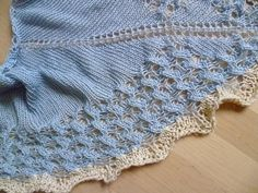 Free Pattern: Schwaermereien by Irene Jumbo, many more free patterns from Irene, thank you.