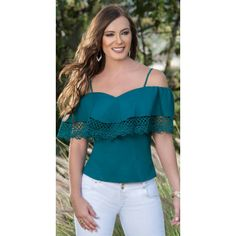 32 Plus Size Blouses Every Girl Should Have - Outfit Trends Latest Fashion Trends, Trendy Fashion, Womens Fashion, Blouse Styles, Blouse Designs, Modest Fashion, Fashion Outfits, Elegant Outfit, Plus Size Blouses