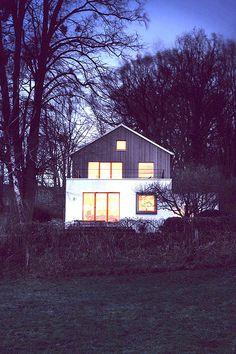 SpandriWiedemann reconstruye la casa levantada por el artista Erich Lasse, en 1918 | Interiores Minimalistas