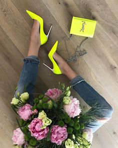"2,256 Me gusta, 49 comentarios - Alexandra Lapp (@alexandralapp_) en Instagram: ""New #peonies for my #homesweethome • • • • • #flowers #AlexandraLapp #metoday #ysl #louboutin…"""