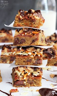 Bacon, Beer and Potato Chip Cookie Bars from @Lindsay | Life, Love and Sugar