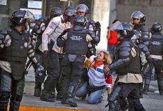 """@llusya: ""@ProtestaCivil: Un país militarizado por pensar diferente: ¿Quien da el golpe de estado? pic.twitter.com/XZoohb09Jp"""" @JavierEnBogota"