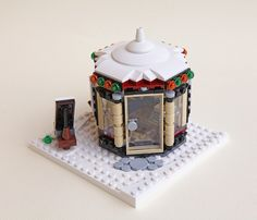Explore sdrnet photos on Flickr. sdrnet has uploaded 808 photos to Flickr. Christmas Scenery, Lego Christmas, Christmas Ideas, Lego Projects, Projects To Try, Legos, Lego Gingerbread House, Lego Winter Village, Step On A Lego