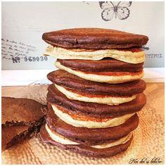Pancakes cu pudra de roscove si nuca de cocos Breakfast Snacks, Kefir, Baby Food Recipes, Coco, Pancakes, Sweets, Recipes For Baby Food, Pancake, Crepes