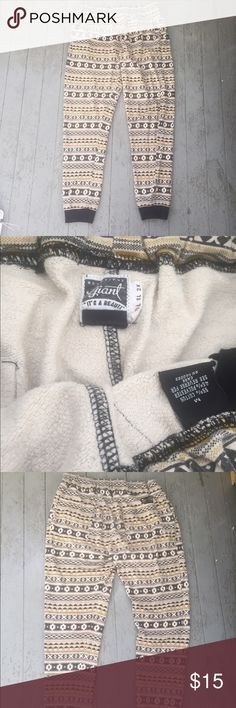 """Beautiful Giant """"Joggers"""" Pants - Medium For sale is a pair of Beautiful Giant """"joggers"""" pants. They are in great pre-owned condition.  If you have any questions, please feel free to ask. Beautiful Giant Pants Sweatpants & Joggers"""
