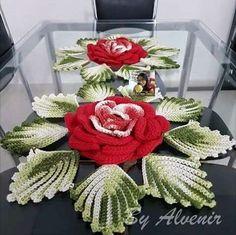 Spiral Crochet, Crochet Diy, Crochet Flower Tutorial, Crochet Home, Thread Crochet, Crochet Crafts, Crochet Projects, Crochet Collar Pattern, Afghan Crochet Patterns