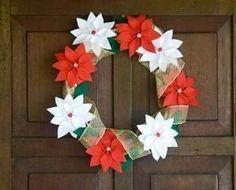 So Beautiful Decoration Xmas Wreaths, Christmas Ornaments To Make, Christmas Signs, Christmas Art, Christmas Decorations, Felt Wreath, Diy Wreath, Burlap Wreath, Poinsettia
