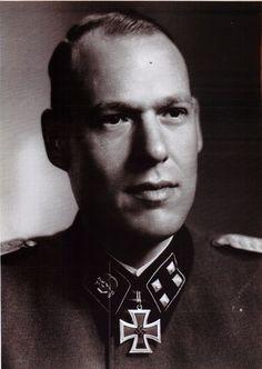 """✠ Joachim Schubach (17 September 1910 - 5 November 1980) RK 03.04.1943 SS-Sturmbannführer Kdr III./SS-Pz.Gren.Rgt 1 """"Totenkopf"""""""