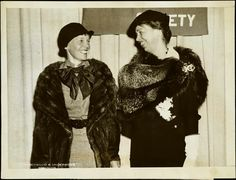 Eleanor Roosevelt and Amelia Earhart - Two amazing women! Rare and crazy historical photos Amelia Earhart, Eleanor Roosevelt, Roosevelt Family, Amelie, Great Women, Amazing Women, We Will Rock You, National Portrait Gallery, Best Selling Books