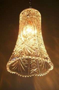Upcycled lighting adds charm and character to any interior. Attractive lighting is a crucial part of making your decor absolutely perfect. Cut Glass Vase, Glass Art, Pendant Light Fixtures, Pendant Lighting, Diy Pendant Light, Pendant Lamps, Luminaire Original, Light Spring, Hanging Pendants