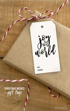 Adorable printable Christmas gift tags to use this holiday season. Easy gift tag idea for Christmas gifts.