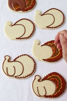 Pretty turkey cookies don't have to be hard to make. These are simple sugar cookies decorated with royal icing and are made with a Santa face cookie cutter. Fall Decorated Cookies, Fall Cookies, Iced Cookies, Cut Out Cookies, Cute Cookies, Holiday Cookies, Cupcake Cookies, Cookies Et Biscuits, Owl Sugar Cookies