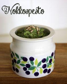 nokkospesto Vegetarian Recipes, Healthy Recipes, Healthy Food, My Cookbook, Pesto, Preserves, Salads, Planter Pots, Berries