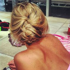 25 coiffures faciles pour la plage | Glamour