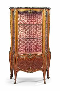 A FRENCH ORMOLU-MOUNTED KINGWOOD AND MARQUETRY VITRINE BY MAISON MENARD, PARIS, LATE 19TH CENTURY.