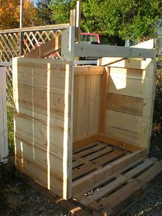 Garbage can shed made from pallets