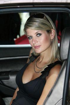 美容、パリモーターショー2008(写真やビデオ)で熱い女の子|それはあなたの自動車の世界::新しい車、自動車ニュース、レビュー、写真、ビデオ...