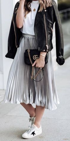 086f141dfa3 50 Classy And Casual Pleated Skirts Outfits Design Ideas
