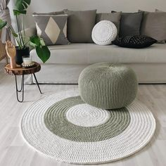 Luxury Carpet Runners For Stairs Crochet Home Decor, Diy Crochet, Diy Home Decor, Knitted Pouf, Knit Rug, Rope Crafts, Diy Arts And Crafts, Diy Carpet, Rugs On Carpet
