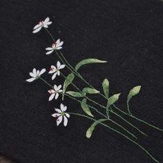 개별꽃 야생화자수 #야생화자수 #야생화느낌자수  #들꽃자수 #생활자수  #꽃자수 #handmade #embroidery