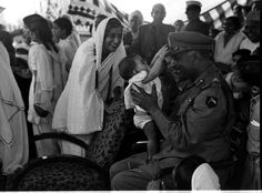 1949 :: Baby Making Attempt To Take Off Major General Thimayya's Cap (@IndiaHistorypic) | Twitter